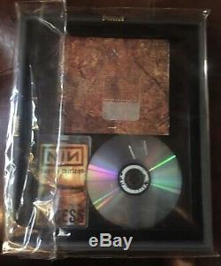 NIN-TRENT SIGNED Cd FRAMED double sided glass with 2013 TOUR PASS